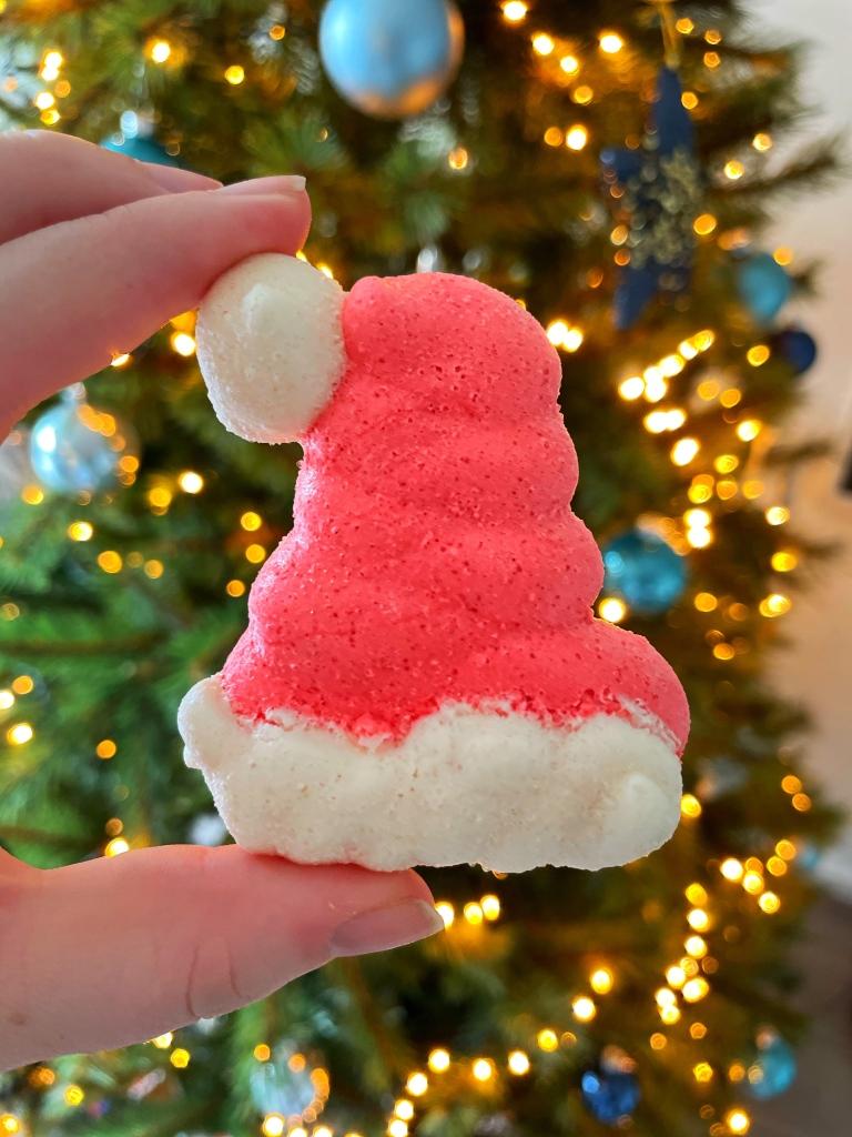 Christmas meringue, kerst meringue, kerstmuts, santa hat